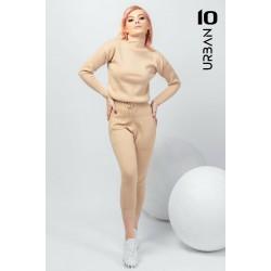 Compleu femei bej din tricot cu pantaloni treisfert